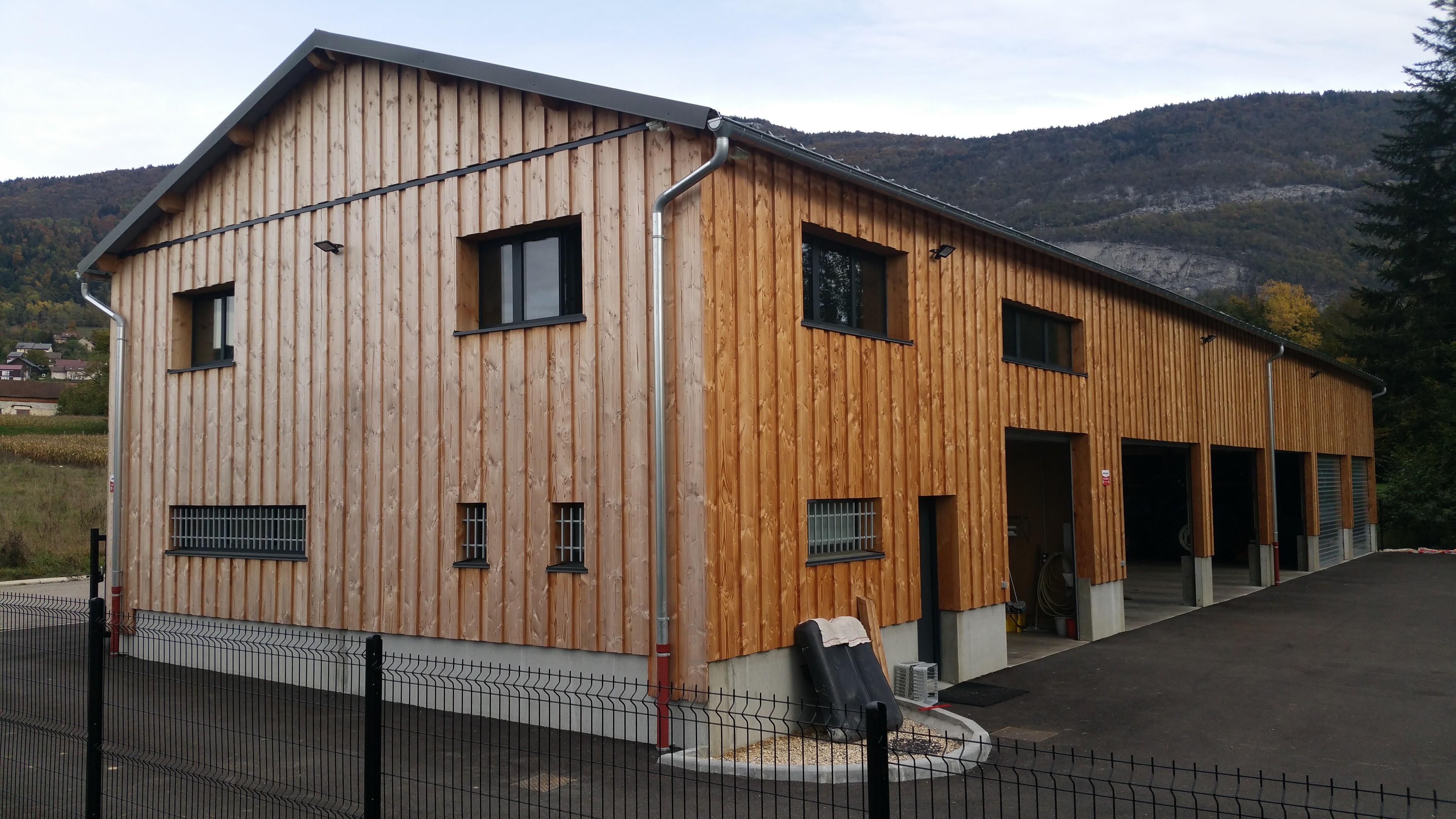 Atelier technique en ossature bois pour la Communauté de Communes du Lac d'Aiguebelette