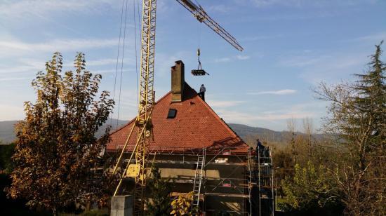 Réfection de toiture en petite tuile à Yenne
